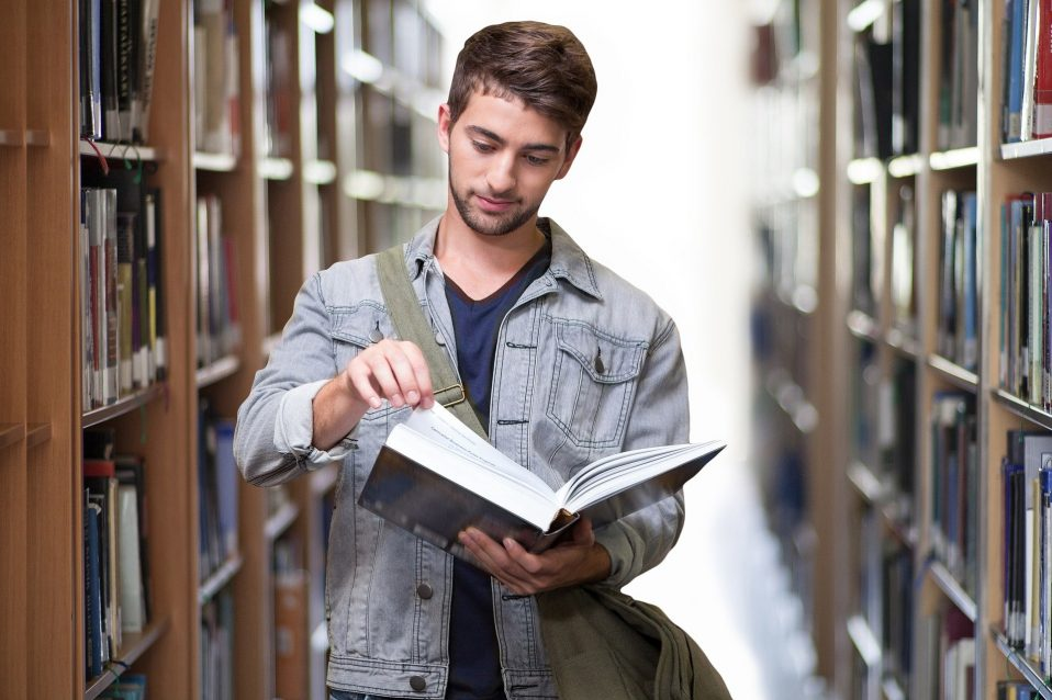 universidad-en-inglaterra-another-education